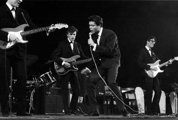 cliff sings 1959